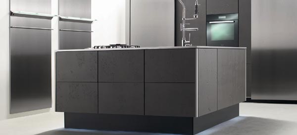 Durch Eine Von Allen Seiten Frei Zugängliche Kücheninsel Können Sie Mit  Mehreren Personen In Ihrer Küche Problemlos Kochen Und Gleichzeitig Mit  Einander ...