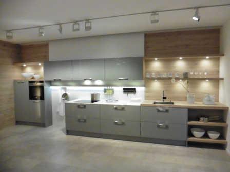 Küche mit viel Licht - natürlich LED